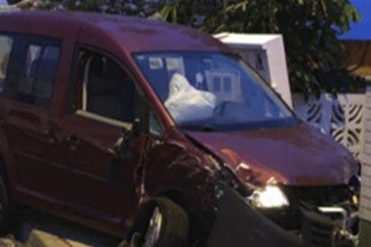 Da positivo en alcohol y 4 tipos de drogas distintas tras chocar contra 5 coches y dos viviendas en Tenerife