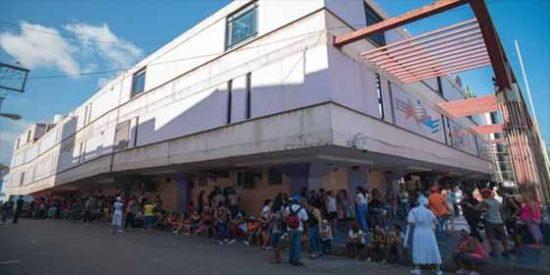 Colas, pobreza y colapso, la cruda realidad que arropa a Cuba: