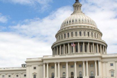 """Varios congresistas de EE.UU. llaman a iniciar """"de inmediato"""" un proceso de juicio político contra Trump"""