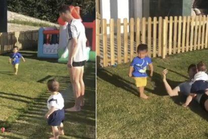 ¿Todavía no has visto el vídeo viral del hijo de Cristiano Ronaldo metiendo un golazo?