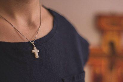 Arrecian las críticas contra el proyecto de ley de restricción de símbolos religiosos en Quebec