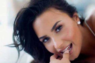 Foto: Una sensual Demi Lovato mostró sus senos en la playa