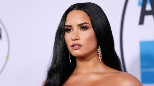 Demi Lovato presume de cuerpazo en sensual bikini