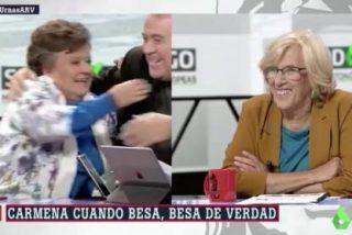 Cómo se aprovechó Cristina Almeida para 'enganchar' a Ferreras e imitar el beso de Errejón y Carmena