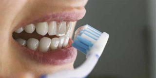 ¿Sabías que cepillarse los dientes es una práctica que puede ayudar a proteger tu corazón?