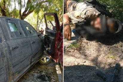 """Sicarios atacan al Ejército de México con una """"camioneta monstruo"""", pero sale muy mal"""