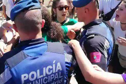 Las feministas de Podemos y el PSOE callan como 'p....' ante el asqueroso escrache a Villacís a dos días de dar a luz