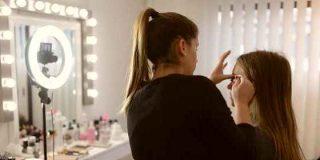 Ventajas de los espejos con luz para maquillaje