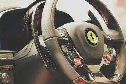 Se hace pasar por comprador y manga un Ferrari de 2 millones de euros durante un viaje de prueba
