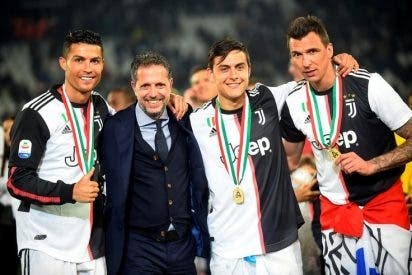 El gracioso blooper de Cristiano Ronaldo al recibir el trofeo de la Serie A