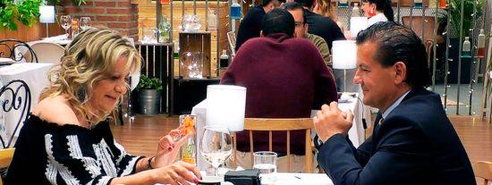 Jose Luis y Sonia, muy patriotas y de derechas, se olvidan tener mano izquierda en su cita en 'Firts Dates'