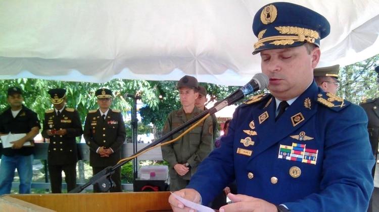 Nueva traición militar a Nicolás Maduro: El Jefe de Logística de la Defensa Aeroespacial está con Guaidó