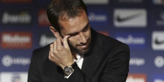 Godín no pudo contener las lágrimas al anunciar que dejaba el Atlético Madrid