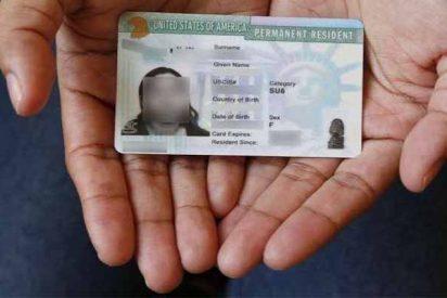 El juez sentencia contra el ICE y declara ilegal la 'trampa' para cazar a inmigrantes que solicitan 'green card'