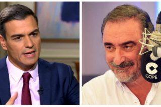 """Carlos Herrera sentencia a Pedro Sánchez por su descortesía con los Reyes de España: """"¡Fíjate qué grosero y desahogado es el individuo!"""""""