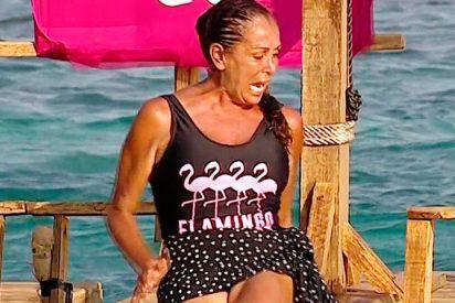 Isabel Pantoja sufre un 'extraño' ataque de pánico al tener que tirarse al agua