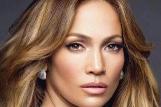 Jennifer Lopez posa en Málaga con el Photoshop trabajando a 'toda máquina'