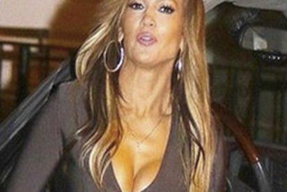 Jennifer López se pone este mini vestido sin ropa interior y pasa esto…