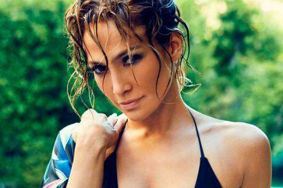 La foto sin trucos de Jennifer López, con faja, que deja a la vista la fea celulitis de sus muslos