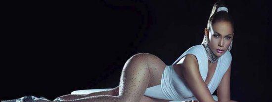 Pillan la 'almejita' de Jennifer López al agacharse en un vestido muy corto