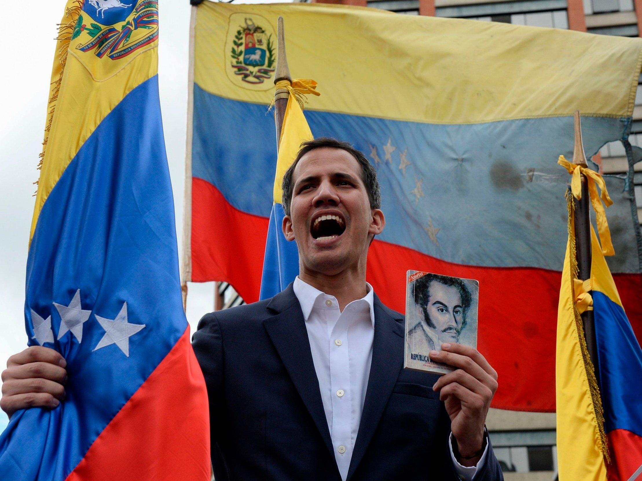 """Guaidó da un paso adelante para sacar a Maduro por la fuerza: """"El momento de Venezuela es ya"""""""