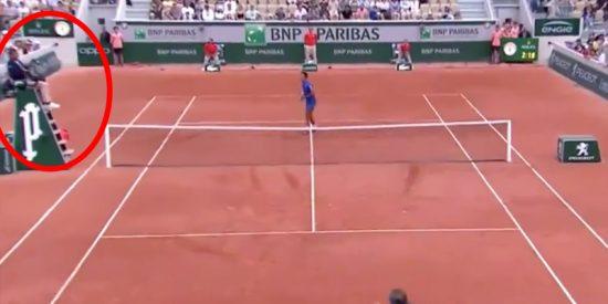 ¿Todavía no has visto al juez de silla que deleitó al público de Roland Garros?