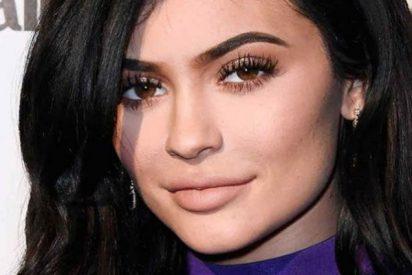 Así espera Kendall Jenner en la cama a su pareja