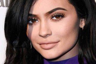 Kylie Jenner se calza este traje negro más ajustado que un 'jubilado español a final de mes'