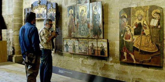 El obispo de Barbastro sienta en el banquillo al obispo de Lérida por la propiedad de 111 obras de arte