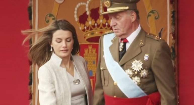 Una terrible humillación de Letizia al Emérito aceleró el adiós de Don Juan Carlos