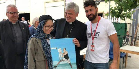 El Papa dona 100 mil euros a Cáritas para apoyar a los refugiados en Grecia