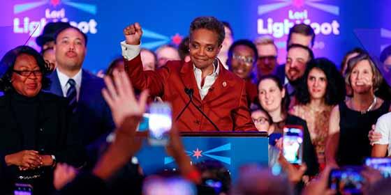 """La advertencia de la primera alcaldesa negra y lesbiana de Chicago tras su investidura: """"Prepárense"""""""