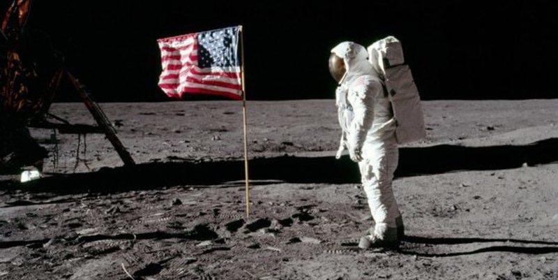 Donald Trump pide al Congreso 1.600 millones de dólares para volver a la Luna e ir a Marte