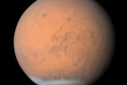 NASA: Un 'diablo de polvo' pasa sobre el aterrizador InSight en Marte