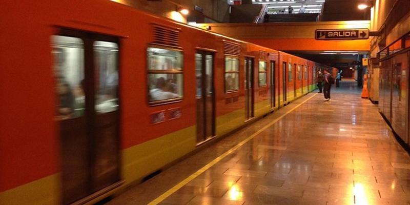 La Policía Nacional detiene a un brasileño por empujar a un español a las vías del Metro de Madrid justo cuando pasaba un tren