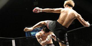 Este luchador de la MMA noquea a su rival con un brutal rodillazo volador a la mandíbula en apenas 10 segundos