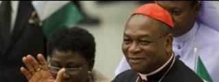 El cardenal Onaiyekan critica al gobierno de Nigeria por promover la emigración