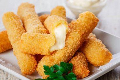 Palitos de queso mozzarella muy crujientes