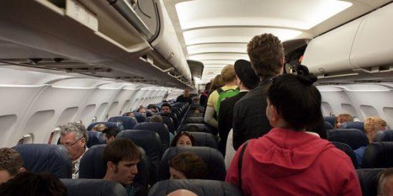 Los aterrorizados pasajeros de este vuelo se despiden de sus seres queridos mientras el avión cae 8.000 metros