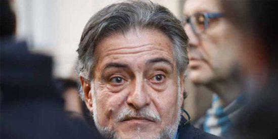El constructor de la obra ilegal de Pepu dice que el del PSOE le pagaba en negro y le debe pasta