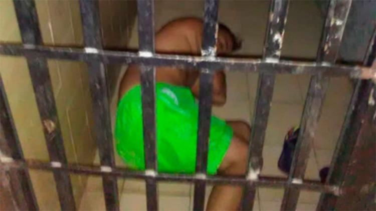 Filtran imágenes del fotógrafo venezolano Jesús Medina en una celda de castigo de la cárcel militar