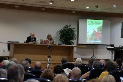 Presentación del libro de Alicia Martínez del Burgo en Vigo. Un nombre para la historia, Clara, Zetkin un ejemplo de coherencia