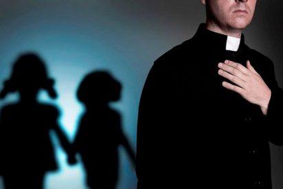 """Víctimas califican de """"fraude"""" las nuevas normas del Papa contra los abusos sexuales a menores"""