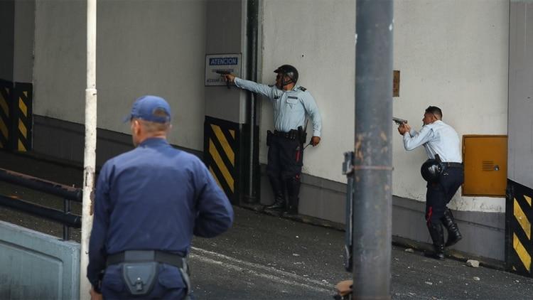 Maduro desplaza al jefe de Policía que evitó que paramilitares chavistas atacaran a civiles