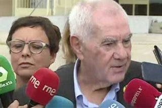 """El mal rollo de la prensa con el 'acaparador' reportero de Ferreras: """"Oye, que nosotros también queremos preguntar"""""""