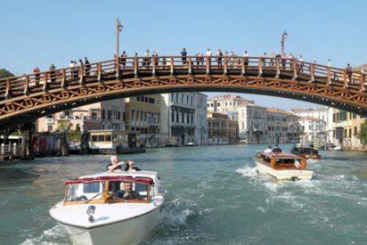 Una mujer suiza muere aplastada entre un barco y un puente en Italia