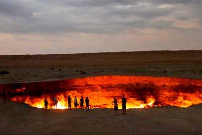 """Turkmenistán: La """"Puerta del Infierno"""" de Darvaza"""
