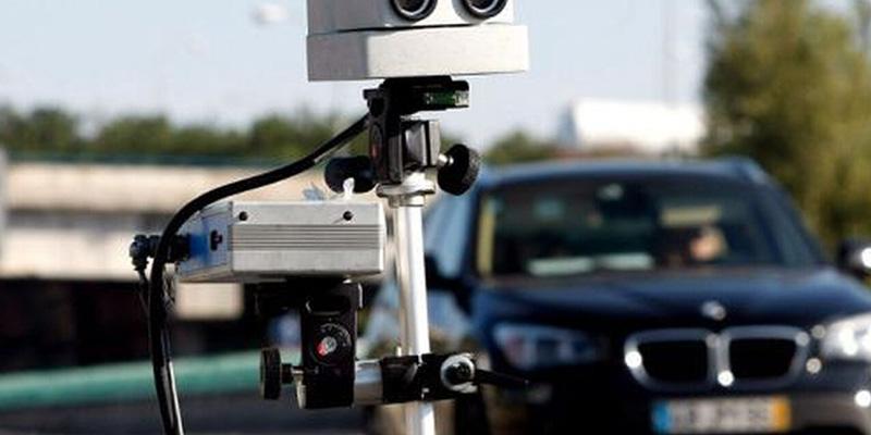 Así son los nuevos 'radares en cascada' de la DGT: el nuevo truco para freírnos a multas