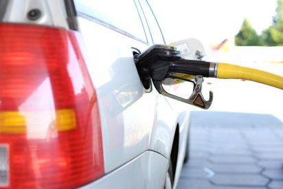 Efecto Sánchez: el precio de la gasolina y del gasóleo sube hasta un 1,8% en pleno puente de Mayo