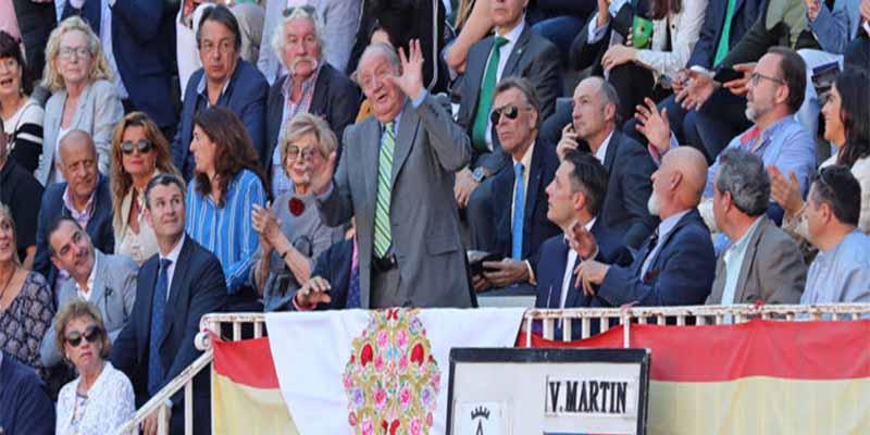 Fiesta Nacional: El Rey Juan Carlos cumple con su cita en Las Ventas en la semana de su retirada